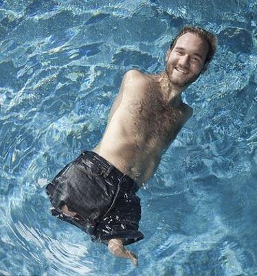 Nick Vujicic piscine