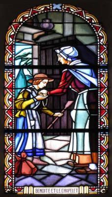 Notre Dame du Laus - vitrail : Benoîte et le chapelet