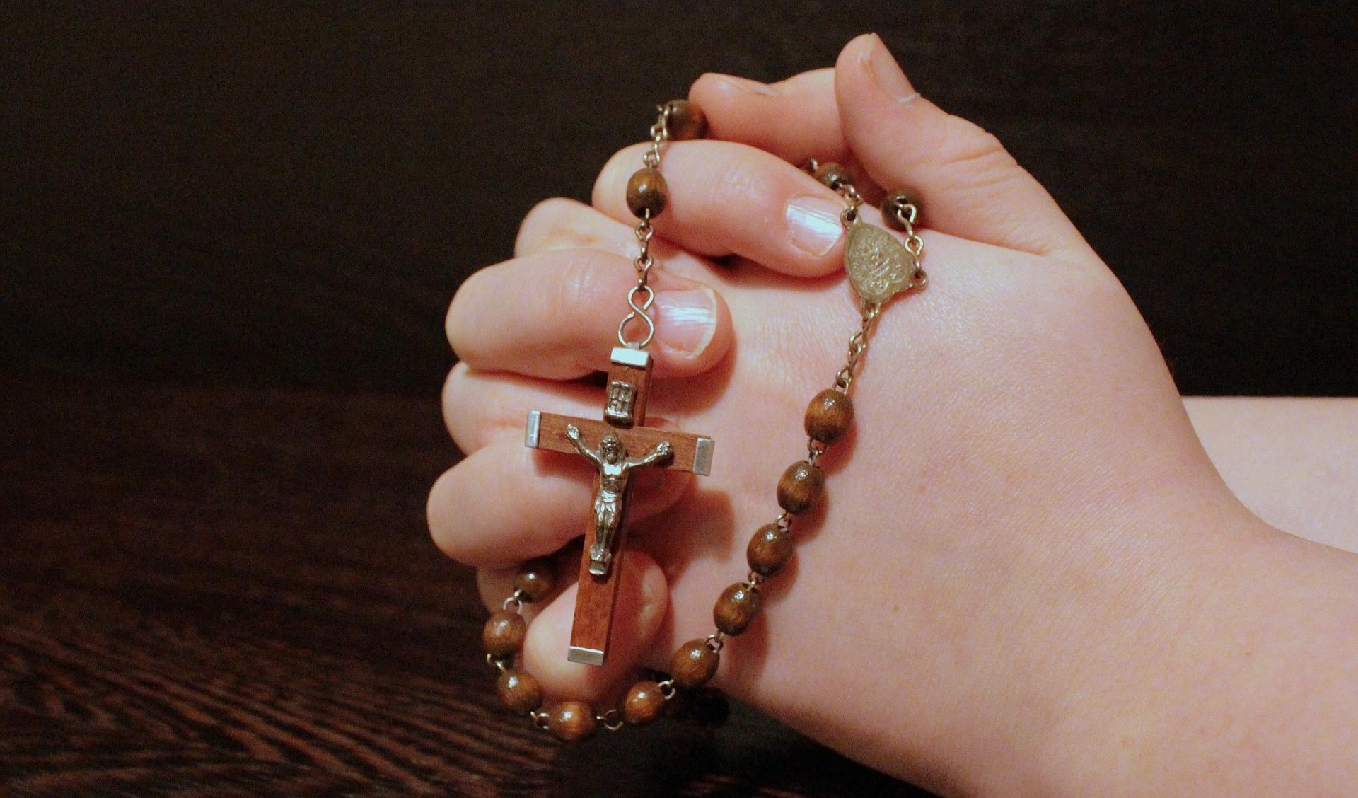 Prier pour ceux qui sont morts est une œuvre de miséricorde